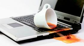 Залили ноутбук, що робити?